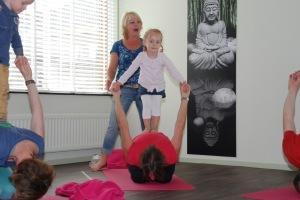 Peuteryoga De YogaSchool