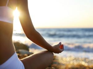 Yoga aan het strand de YogaSchool